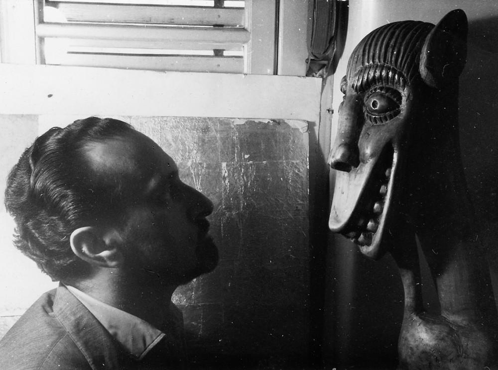 c. 1964 Ernesto de Sousa e escultura de Franklin